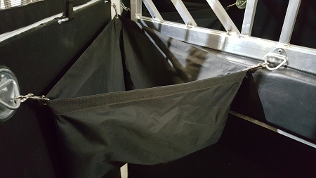 Triangle Trailer Feed Bag